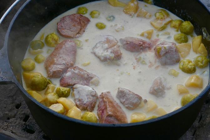Rosenkohl im Dutch Oven